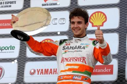 """Bianchi, ganador del """"Desafío das Estrelas 2013"""""""
